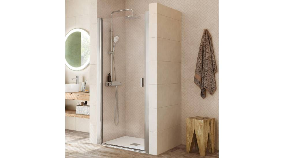 Vela shower screen with hinged doors